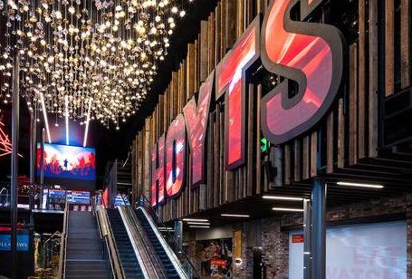Hoyts to re-open all of its NZ cinemas tomorrow